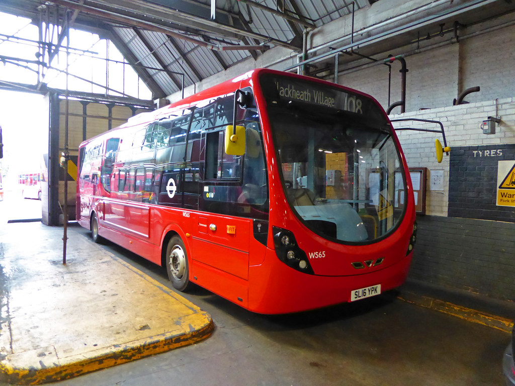 The world 39 s best photos by bexleybus flickr hive mind for New garage