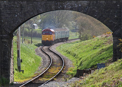 Under the Bridge (Treflyn) Tags: red 2 english heritage apple station electric train gold during br cross diesel 4 scottish rail railway loco brush class gordon type 314 multiple emu 423 british locomotive welsh preserved 31 toffee snakes gala swanage tow ped preservation unit vep goyle ews 3417 harmans pettitt 31466