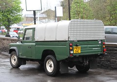 Land Rover Defender 110 Ivor Williams Top P832OAC  18052013 021 (Frank Hilton.) Tags: classictruck truckpictures truckphotos transportphotos frankhilton northwesttrucks historicclassiccommercials 18052013