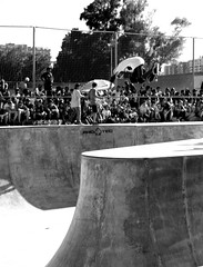 bsairBN (____J____) Tags: bw valencia air bowl bn skateboard vans backside beter