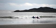 boy meets girl (Nce wAs jacb) Tags: ocean sea beach sand nikon surf surfer surfing vancouverisland surfboard tofino mckenzie d5000 oncewasjacob facebookoncewasjacob instagramoncewasjacob1978 twitteroncewasjacob1978
