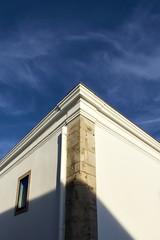 (AdSR on Flickr) Tags: sky building corner raw darktable
