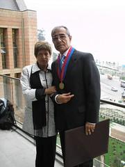 Con mi esposa, Ana Rosa Alfaro Robledo. Martes 18 de abril de 2006