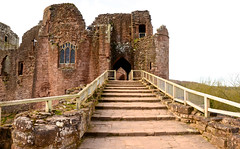 GATEHOUSE GOODRICH CASTLE (chris .p) Tags: uk england castle march spring nikon steps herefordshire goodrich gatehouse 2014 d7000 mygearandme