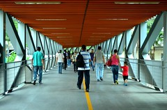 Passarela (Melina Kuroiva) Tags: sãopaulo sp passarela terminalbandeira