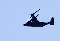 Osprey over former RAF Sculthorpe (Whipper_snapper) Tags: uk england pentax norfolk gb usaf tiltrotor sculthorpe cv22 pentaxk5