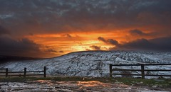 Holme sunset (Chris Beesley) Tags: winter sunset sky orange snow cold landscape pentax district peak 15mm holmfirth k3 holme