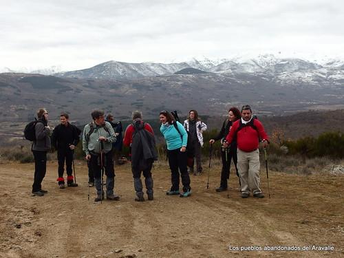 MARCHA-371-los-pueblos-abandonados-valle-de-aravalle-avila-senderismo (9)