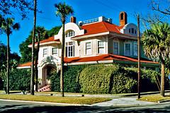 Villa Las Palmas, Fernandina Beach (StevenM_61) Tags: house florida palmtrees shrubs fernandinabeach traditionalarchitecture