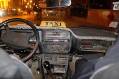 TAXI (PUAROT) Tags: viaje photography noche fuji taxi tata flash ciudad iso cairo coche ilegal fujifilm egipto fotografia viejo puarot x100t wwwcesarcalvocom