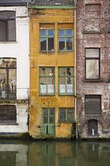 Fachadas multicolor. Gante. (www.rojoverdeyazul.es) Tags: windows building facade belgium edificio front ventanas autor fachada gent bueno gand gante lvaro blgica