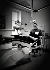 A yearly Checkup at our Dentist (Marc Gommans) Tags: samsungs7edge dentist roos blackandwhite indoor people cellphone noiretblanc zwartwit