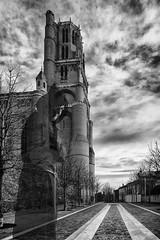 Chaussée au Moine (arknaute) Tags: bw cathedral ghost nb cecile albi cathedrale fantome cathare peur terreur moine pretre arcnaute