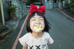 Hana Kiki ( aikawake) Tags: baby flower cute love beautiful beauty smart wonderful children fun happy kid funny child play outdoor happiness eat hana littlegirl kiki  taiwanese         naturelight