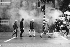 Netherlands - Amsterdam 2016 - Steamy People (PhotompNL) Tags: street bw white black netherlands rain amsterdam work canon eos nevel noir zwartwit outdoor mark negro nederland steam ii 5d zwart wit weiss paysbas bianco blanc nero schwarz regen werk arbeid niederlande feher straat reu stoom fekete strase noiretblac eos5dmarkii