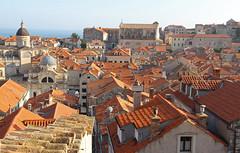 Dobrovnik (anvaliri) Tags: city muro canon centro croatia ciudad walls oldtown dubrovnik croacia tejados hrvatska murallas partevieja 1585