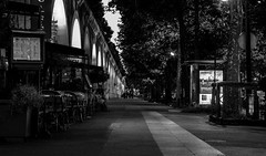 IMG_5462 (Nikan Likan) Tags: street light 6 white black paris color night vintage lens photography 50mm prime german m42 manual f56 1973 blades voigtlnder | 2016 ultron 18
