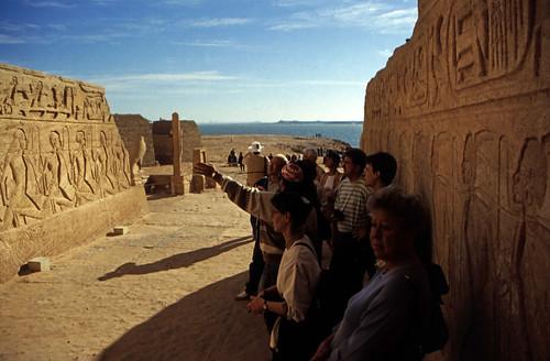 "Ägypten 1999 (105) Assuan: Großer Tempel von Abu Simbel • <a style=""font-size:0.8em;"" href=""http://www.flickr.com/photos/69570948@N04/27385077986/"" target=""_blank"">View on Flickr</a>"
