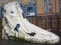 Tuborg Havn - Foden (1994) (annindk) Tags: copenhagen memorials harbours hellerup