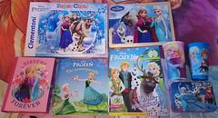 Frozen (AngelShizuka) Tags: anna cup dutch book olaf frozen princess books disney queen puzzle cups merchandise merch puzzles sven nederlands elsa fever kristoff bjorgman