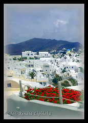 Wyspa Santorini (Santoryn) (Renata_Lipiska) Tags: travel sea mountain mountains architecture landscape island outdoor santorini greece gry thira widok gra architektura morze grecja wyspa podr santoryn wyspawulkaniczna