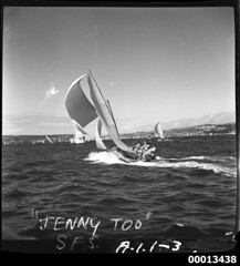 18-footer JENNY TOO on Sydney Harbour (Australian National Maritime Museum on The Commons) Tags: sailing sydney sail sydneyharbour sailingvessel 18footer williamhall 18footers jennytoo