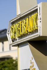 Spielbank, Bad Homburg 2013 (Spiegelneuronen) Tags: badhomburg hinweisschild leuchtrhren kaiserfriedrichpromenade