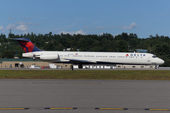 Delta Air Lines McDonnell Douglas MD-88 N932DL (FlyingJ31) Tags: camera dog classic lines tarmac boston plane airplane manchester photography photo airport ramp aircraft sony air jet picture engine craft dal delta pic class smoking landing photograph airline maddog land mad alpha smoker douglas deploy regional m80 jetplane spoiler photog deployed mcdonnell jetliner spoilers super80 mht md88 deltaairlines deltaair planespotter reverser ttail reversers n932dl kmht slta57
