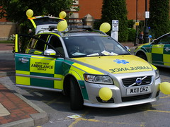 2726 - NWAS - Volvo V50 Estate - RRV - R327 - MX11 OHZ - DSCF8485 (Call the Cops 999) Tags: uk england west manchester volvo estate britain centre united great north 8 kingdom august ambulance led vehicles health national nhs gb vehicle service emergency trafford paramedic thursday 112 rapid services v50 battenburg response 999 lightbar ohz 2013 rrv mx11