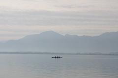 Jetzt fahrn wir bern See (im_fluss) Tags: blue lake mountains bayern bavaria see berge rowing blau chiemsee ruderboot ruderer