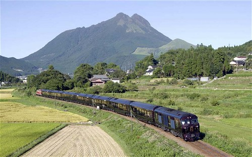 Japan's new luxury sleeper train The Kyushu Seven Stars 3