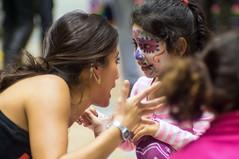 Dia de los muertos (kuuan) Tags: vienna wien girl mexicana austria fiesta 85mm olympus mf f2 zuiko manualfocus fzuiko f285mm diadolosmuertos olympusfzuikoautotf285mm weltmuseum