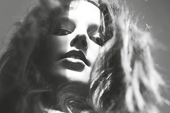 Into the soft (C.Canzos) Tags: portrait bw girl face youth canon hair nose eyes retrato cara bn outoffocus ojos desenfoque 7d pelo nariz greyscale juventud nadir lavado luzysombras escalagrises
