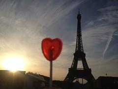 Road trip France + Espagne #08 (Archi-charlotte) Tags: paris france love sunrise vacances soleil holidays tour heart eiffel coeur amour lollipop 08 sucette tuilerie