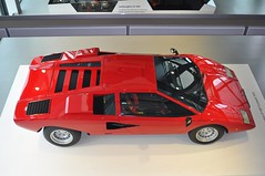 Lamborghini Countach LP400 (1975) (Transaxle (alias Toprope)) Tags: sports car museum spectacular design engine machine super racing fromabove legendary retro sharp most lp radical marcello lamborghini 1973 wolfsburg futuristic autostadt weber styling countach gandini edges birdview lambo proportions bertone topspeed 300club dohc midengined midship midengine autoretro rmr scissordoors club300 midshiprunabout marcellogandini twelvecylinder 45dcoe longitudinaleposteriore overheadcamshafts centralengine 315kmh