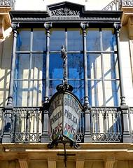 Barcelona - Pg. St. Joan 026 d (Arnim Schulz) Tags: barcelona espaa art window architecture liberty ventana spain arquitectura arte fenster kunst catalonia finestra artnouveau gaud architektur catalunya espagne fentre modernismo catalua spanien modernisme jugendstil espanya katalonien stilefloreale belleepoque baukunst