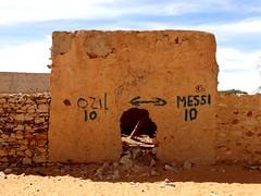(fchmksfkcb) Tags: africa sahara desert afrika wste atar mauritania afrique mauritanie mauretanien rockpaintings chinguetti adrar terjit felszeichnungen mauretanie gravuresrupestres azougui azoughoui chingitty