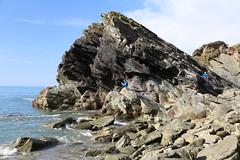 Lansallos beach, Cornwall (Harald Schnitzler) Tags: england cliff rock stone canon landscape rocks cornwall stones cliffs fels felsen lansallos schnitzler