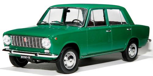 IST Fiat 124 berlina-001