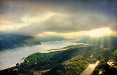 amanecer (1crzqbn) Tags: color nature sunrise reflections landscape textures 7d columbiarivergorge amanecer 1crzqbn