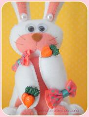 Coelhinha Bela (Mimos e Artes da Jana) Tags: páscoa criança feltro presente coelha coelhinha