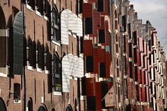 Hatched windows on Brouwersgracht (Amsterdam, Netherlands 2015) (paularps) Tags: amsterdam canals grachten nikond7100 arpspaularpsnetherlandsnederlandeuropaeurope2014culturearchitecturedenhaagthehaguehouseofparliamenthofvijverpaularps afsdxnikkor18140mm