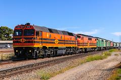 2212 GM45 GM40 705 2216 grain train (Dermis50) Tags: 22 drycreek gm grain 45 adelaide 40 railways southaustralia alco emd graintrain 2212 2216 gmclass 422class geneseewyoming 700class