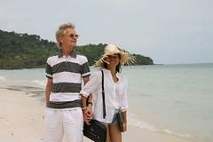 2016-03-09 Phu Quoc Island, Vietnam016 (HAKANU) Tags: sea beach beautiful smile hat smiling lady female island sand asia stripes shoreline beachlife vietnam phuong wife strawhat hkan phuquoc phuquocisland hkanuragrd uragrd wifeah