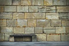 La pared y el banco (Oscar F. Hevia) Tags: espaa muro stone wall port puerto pared dock spain gijn banco asturias stonewall dique piedra asturies xixn asiento benchseat principadodeasturias