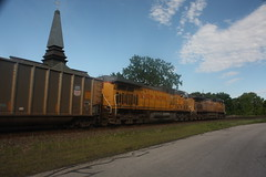 53464 (richiekennedy56) Tags: usa lawrence unitedstates kansas unionpacific ac44cw railphotos douglascountyks up7098 donballcurve up6206