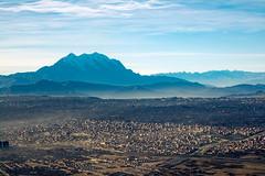 4Km amsl (sansResonance) Tags: city sunrise high altitude bolivia ciudad amanecer lapaz altura altiplano elalto illimani msnm amsl