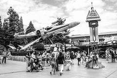Disneyland Paris (Shadowgate) Tags: eve star starwars nemo r2d2 octopus xwing wars wally c3po nautilus futureland
