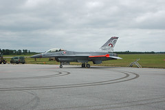 RDAF F-16 008 (Bechster) Tags: airplanes jet airshow f16 008 fighterjets fightingfalcon rdaf skrydstrup royaldanishairforce figtherjet danishairshow2016