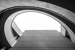 1434 (.niraw) Tags: bw licht kln architektur sonne schatten mediapark parkhaus geometrie aufwrts berbelichtung niraw